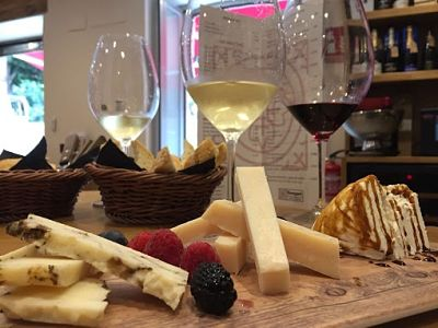 1-wine-tasting-malaga-cheese-tours