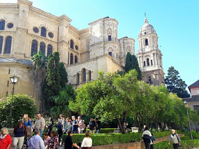 6 hours Malaga Private Tour: Tapas included