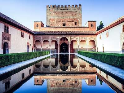 3-nasrid-palace-alhambra-complex-private-tour.jp